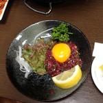 炭火焼肉 寿月 - 桜ユッケですね