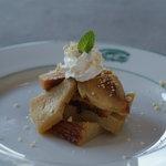 アルッガマゲ - スリランカの家庭で作られる有名なデザート(ワタラッパン)。ココナッツとカルダモンの香りが癖になる。
