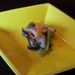 日本料理 対い鶴 - 強肴:みず、焼き椎茸、辛子酢。