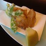 日本料理 対い鶴 - 揚物:こしあぶら、あいなめ。