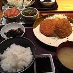69802065 - 170603土 東京 やまや有楽町店 メンチカツ定食1,000円