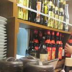 龍門酒家 - キープボトルがたくさん