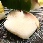 千登利亭 - 肉厚な鯖寿司⤴︎⤴︎
