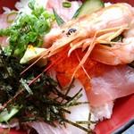 69806816 - 安い方の海鮮丼