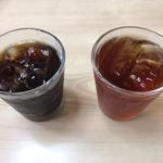 中華飯店響 - なんかのサービスで付いてたコーヒーと烏龍茶
