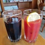 セピア - アイスコーヒー&トマトジュース