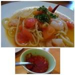 P.P,Cオリーブ - ◆小海老と生トマトのオリーブソース。 少しスープパスタ風で、こちらも薄味ですね。同じく辛味ソースを加えると、味わいがよくなりました。