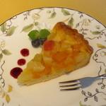 KENの厨房 - フルーツタルト。地元のブルーベリーを添えて。