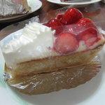ぞうさんのケーキ屋 アン プティ エレファン - いちごタルト