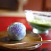 久連波 - 料理写真:抹茶(冷)と上生菓子(紫陽花)