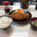 まるやま食堂 - まる特ロースカツ定食