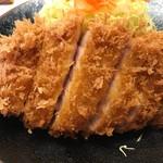 まるやま食堂 - トップフォト まる特ロースカツ