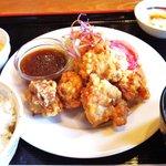 ボンドール - 唐揚げ定食880円