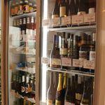 あかまる牛肉店 - ワインは現在70種類以上。1本1000円から、コスパワイン増殖中です。