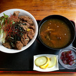 仙人小屋 - 熊肉丼