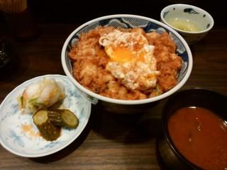 天菊 - 「かき揚げ丼」卵をくずしました。