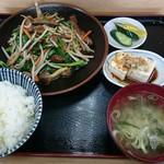 まりも - 料理写真:ニラレバ定食