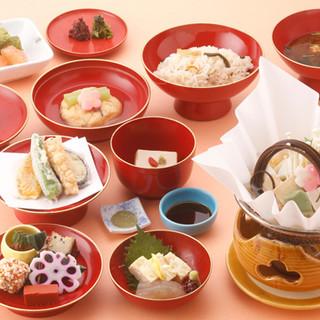 【精進風和膳】湯葉や野菜などを食材を使用したヘルシーなお料理