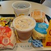 マクドナルド - ドリンク写真:ナイフとフォークで食べる朝マック