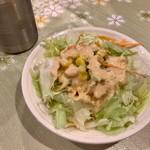 TAJ - ランチセットのサラダ