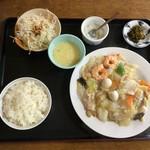 中華食堂劉 - 料理写真:八宝菜定食(680円)