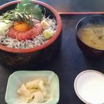 JIVA食堂 - あかもくバクダン丼1100円