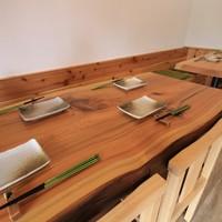 大人数での宴会も可能なテーブル席