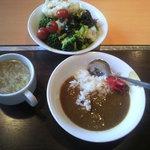 ヒロちゃん - スープ、サラダ、カレー食べ放題