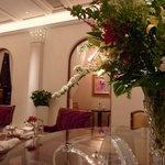 ロイヤルクリスタルカフェ - 2011年2月今日は真ん中の席です