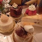 ロイヤルクリスタルカフェ - 2011年2月ケーキを選びます