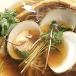 小島流 - 羅臼昆布と蛤の清湯(税込850)