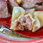 支那そば なかじま - 肉餡は美味で舌から喉へ広がります【料理】