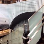 マクドナルド - 2階への階段。