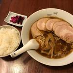 一丁 - チャーシュー麺並税込850円 御飯税込100円