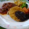 日比谷松本楼 - 料理写真:メンチカツ、鶏肉のソテー・ラタテュイユソース
