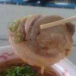 中華蕎麦 とみ田 - 味の乗ってるメガチャーシュー