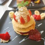 金のスプーン - ストロベリーパンケーキ