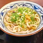 丸亀製麺 上石神井店 - かけうどん(大)(ネギ・天かすはセルフサービスのトッピング)