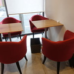 ザ リタ コーヒー - ☆赤のソファ席もキュート(^o^)/☆