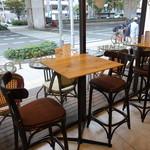 ザ リタ コーヒー - ☆ハイチェアの窓際席(*^。^*)☆