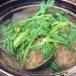 海鮮広東料理 中華料理 昌園 - 名物の蟹肉と春雨の煮込み ¥3800