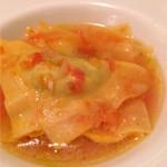 トラットリア カーサ カルマ - ラビオリ あご出汁と昆布の出汁