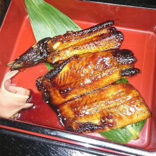 当店のおすすめ!!国産養殖の鰻を使用した鰻重(上)