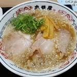 丸醤屋 - 料理写真:醤油ラーメン 594円