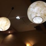 東京そば正家 - 照明も和テイストです