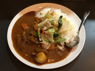 欧風カリーM - 牛すじ煮込みと野菜カレー 大盛り