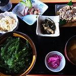 6989602 - 海ぶどう丼セット 1500円