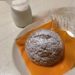 タルト・タルト - 料理写真:生ホイップクリームとタルトシュー