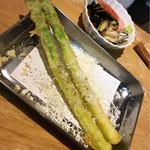 天ぷらとワイン 小島 - アスパラパルミジャーノ 、柳橋刺身5種盛り合わせ