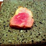 R cafe - こんな風に肉を乗せて焼きます